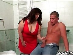 Sexy fat girl sucks his unearth in put emphasize bathroom