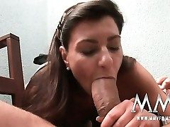 German mature wifey gets the trunk inwards her